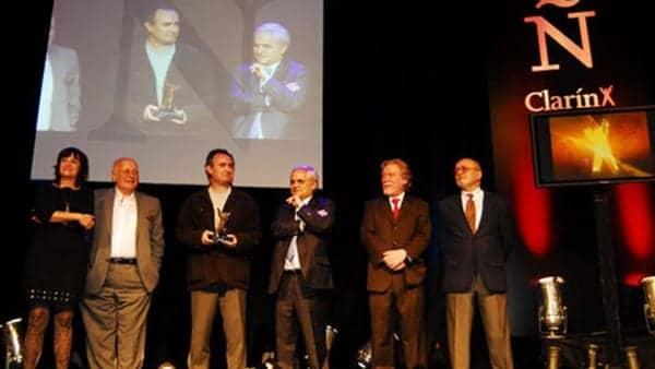 PREMIO-CLARIN-NOVELA-ceremonia-premiacion_CLAIMA20110427_0191_4
