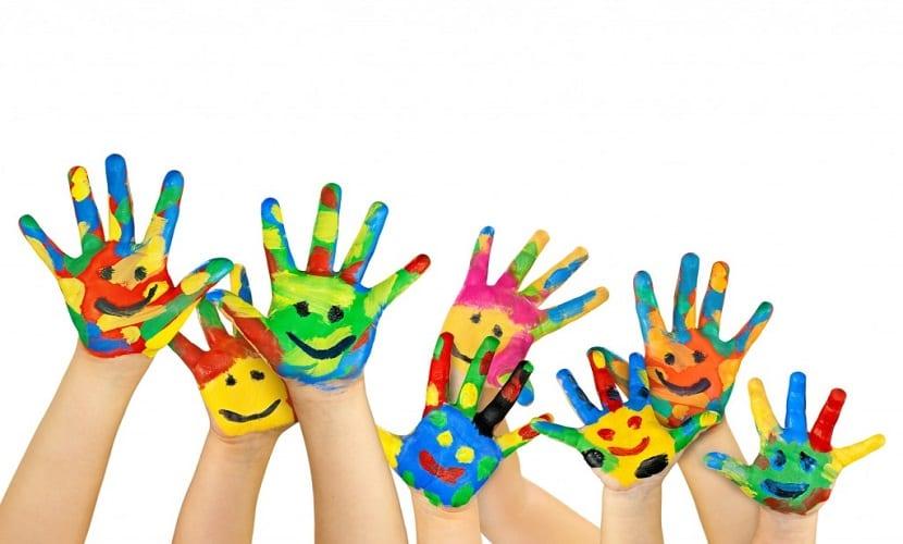 niños-manos