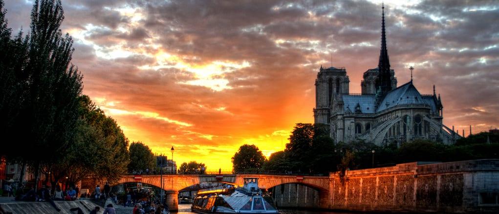 Notre Dame, catedral donde se ambienta Nuestra Señora de París, de Victor Hugo.
