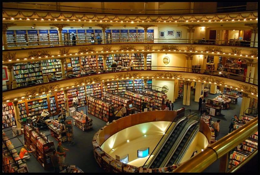 Biblioteca con los mejores libros de la historia