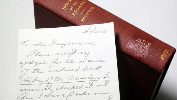 Libro con carta de disculpa