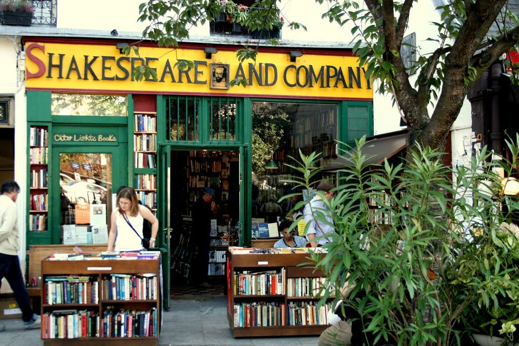 Los escritores pueden dormir en Shakespare & Co.