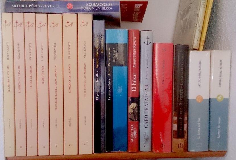 Mi biblioteca de Pérez-Reverte