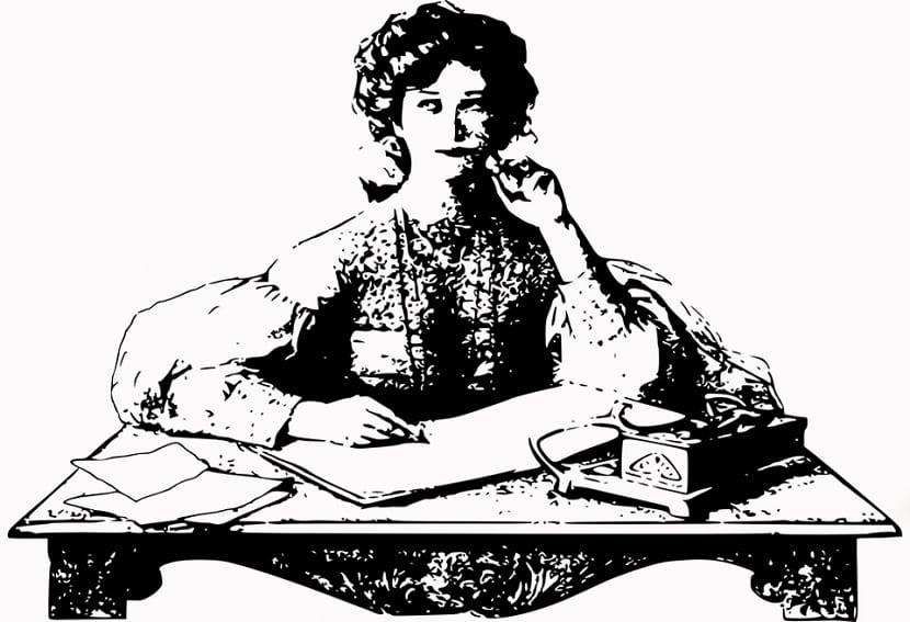 25 frases de mujeres escritoras