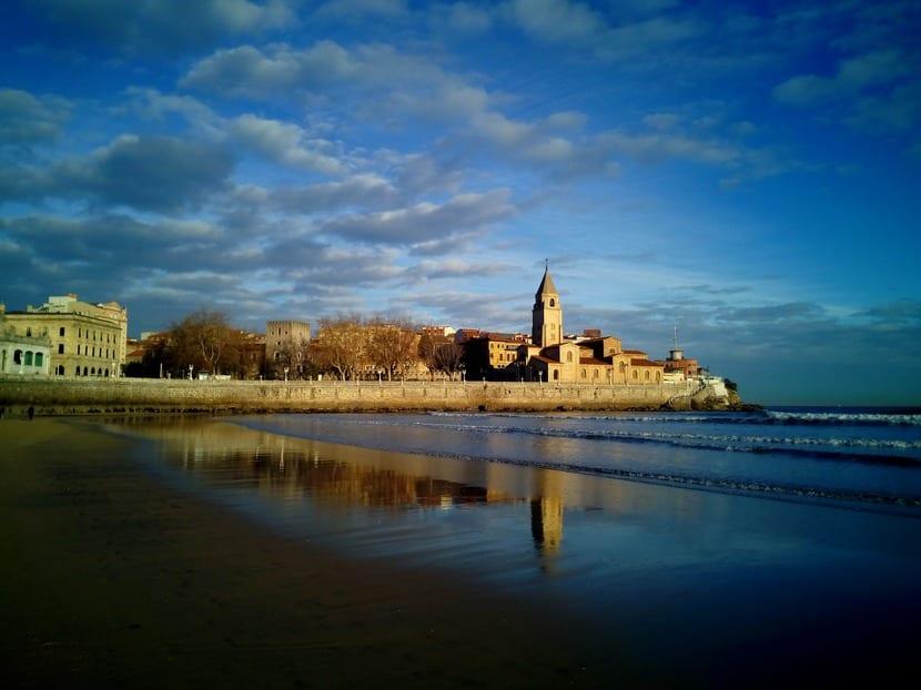 Gijón, la ciudad donde se desarrollan las últimas novelas de la serie protagonizada por Mariana de Marco.