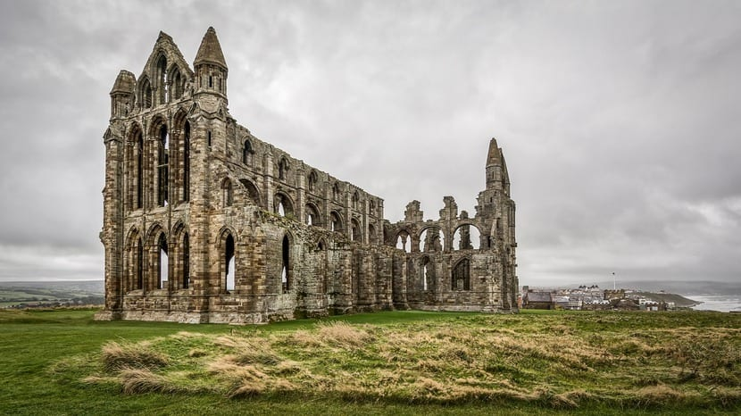 La Abadía de Whitby fue uno de los escenarios que inspiraron a Bram Stoker para crear Drácula.