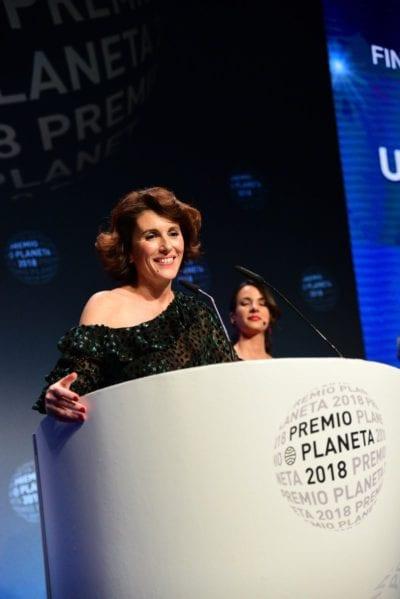 Ayanta Barilli, finalista del Premio Planeta 2018, con Un Mar Violeta Oscuro.