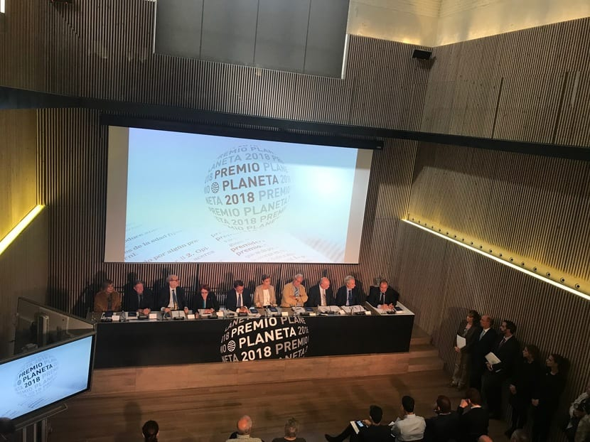 Rueda de Prensa Premio Planeta 2018: Así son las 10 novelas entre las que se encuentran el ganador y el finalista.