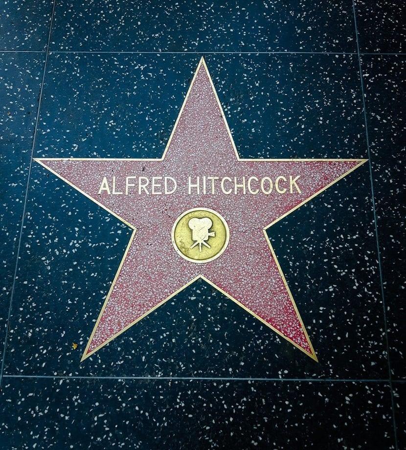 Hitchcock, el genial director de cine, que popularizó grandes novelas del género.