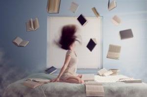 En plena era digital el libro en papel continua siendo el preferido de los lectores de todas las edades.