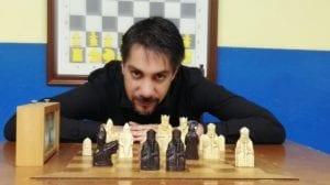 Ricardo Alía, la química y el ajedrez como hilo conductor de las tramas de sus novelas.