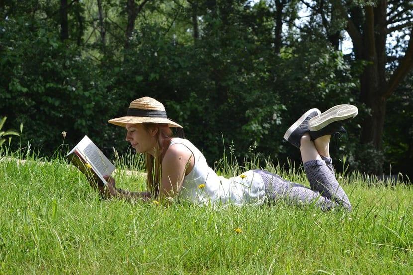 En contra de la creencia popular, los jóvenes entre 14 y 25 son los que más leen. Los que menos, los mayores de 65.