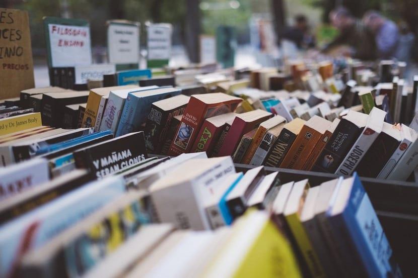 Más del 60% de los españoles leen de forma habitual en su tiempo libre.