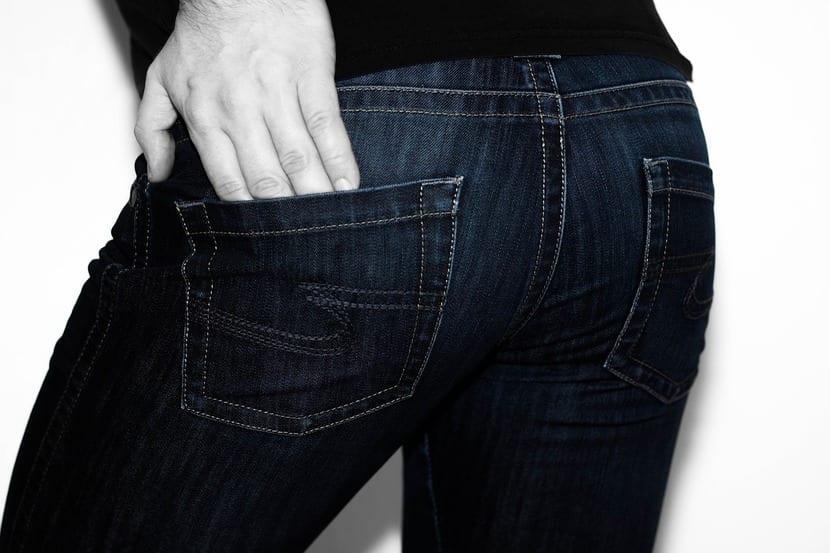 Blue Jeans es el seudónimo elegido para la serie de novela juvenil de Francisco Fernández de Paula. «Paco Fernández no era muy comercial.»