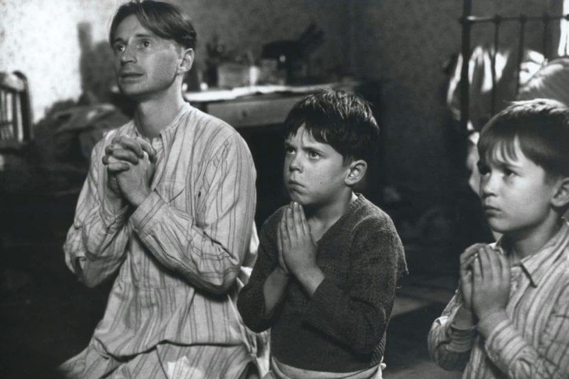 Malachy, Malachy Jr. y Frank retratados en la película de Las cenizas de Ángela