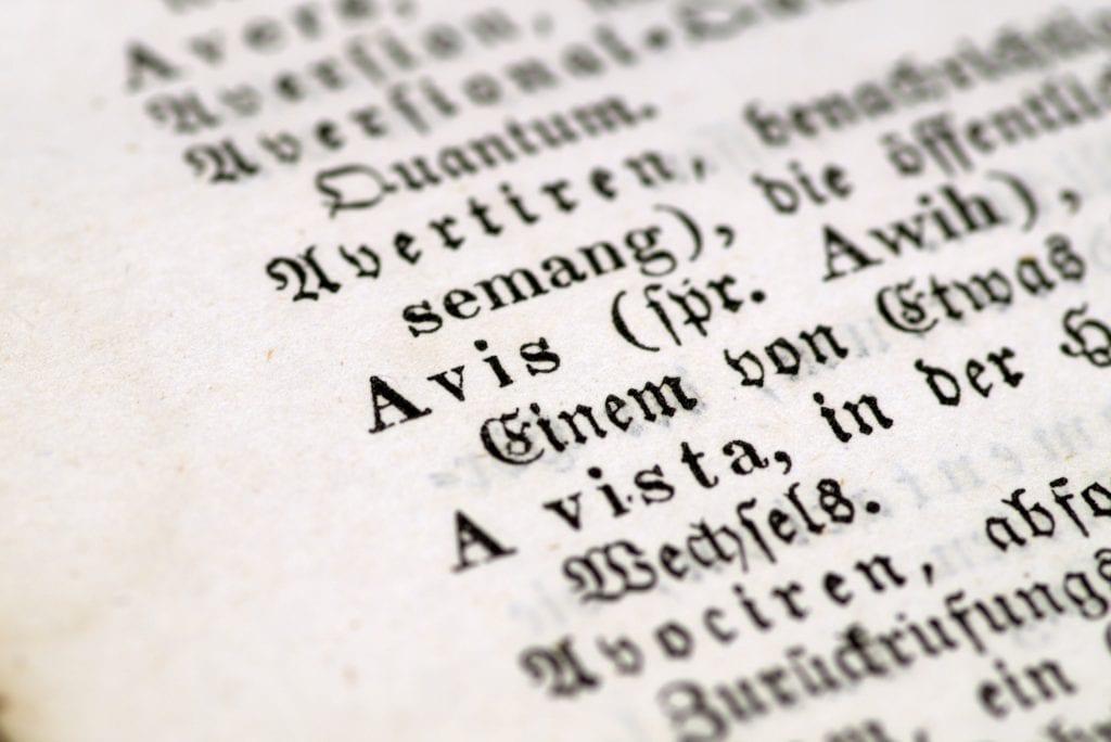 Imagen de un diccionario de latín.