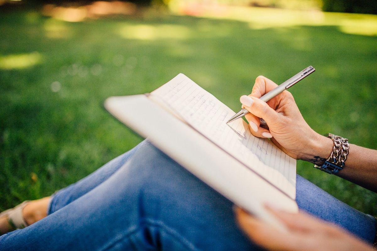 Grandes escritoras españolas que tienes que conocer