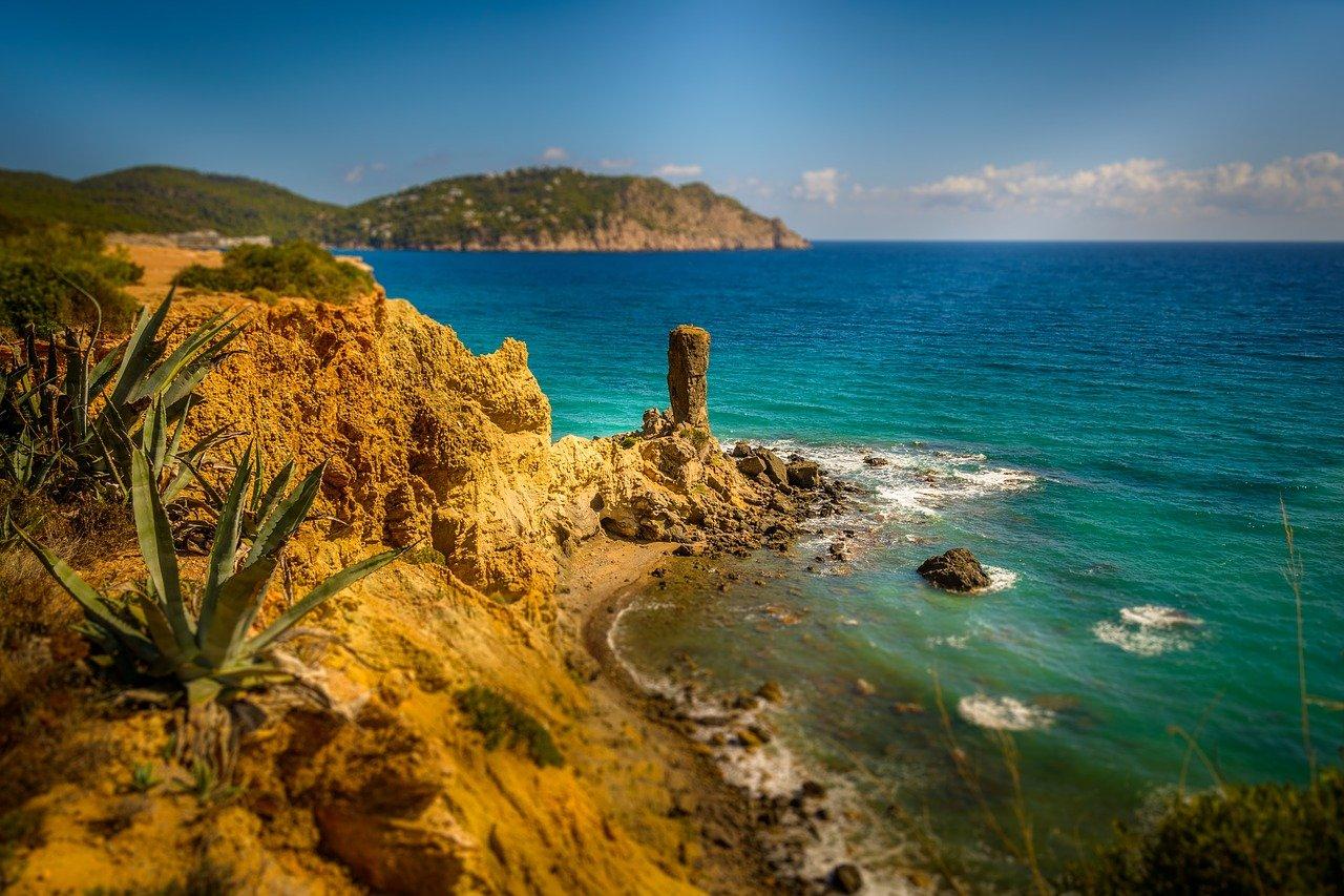 Ibiza, una de las locaciones de El mal de Corcira